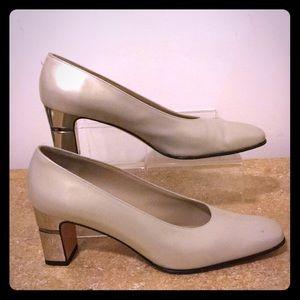 Salvatore Ferragamo pumps/metallic heels 7 2A